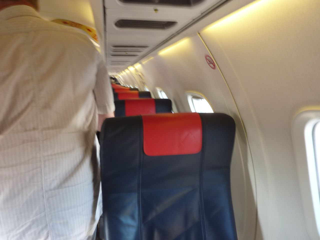 review of air france flight from lyon to clermont ferrand in economy. Black Bedroom Furniture Sets. Home Design Ideas