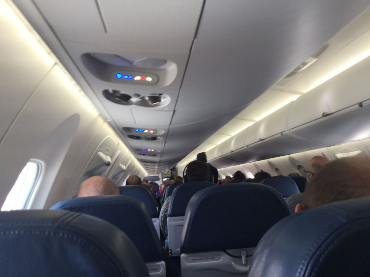 Review Of Delta Endeavor Air Flight From Des Moines To - My flight to des moines